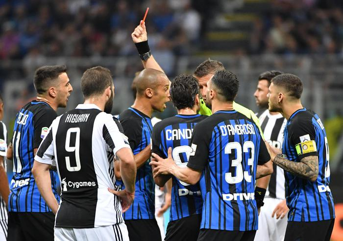 Inter-Juventus: tensione in campo!
